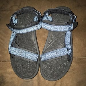 Woman's Teva Outdoor Sandals Shoes New 8